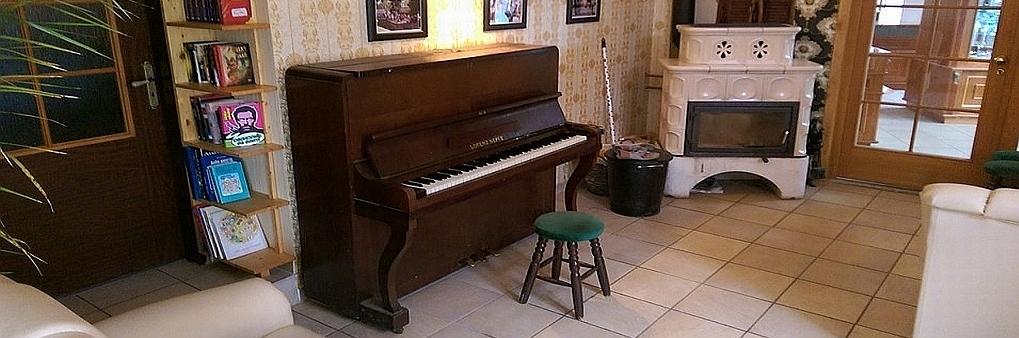 Piano už je zase zpátky v kavárně U Zlatníka